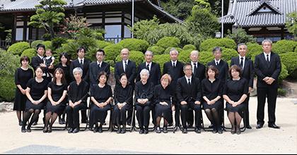 岡山で証明写真・記念写真・就活写真ならフタバ写真場 集合写真