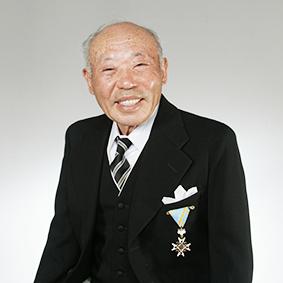 岡山で証明写真・記念写真・就活写真ならフタバ写真場 生前の遺影写真もご利用ください。